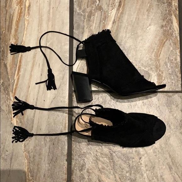 """Black Open Toe 3"""" Heel Sandal Size 8"""